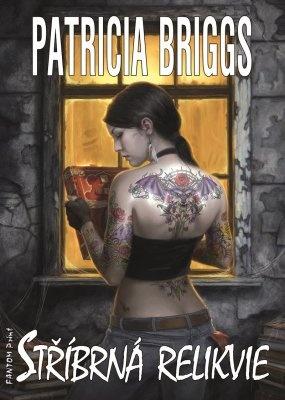"""Patricia Briggs: Stříbrná relikvie. Pokud si chcete e-knihu vypůjčit, klikněte na název města, ve kterém se nachází vaše knihovna, v sekci """"Vyhledat e-knihu v knihovně""""."""