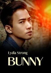 Lydia Strong: Bunny. Klikněte pro více informací.